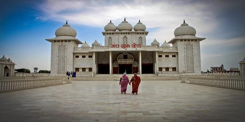temple (800 x 400)